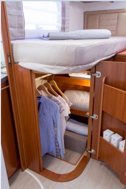 Stivaggio quando lo spazio nel camper non mai abbastanza il camperista - Lo trovi sotto il letto ...
